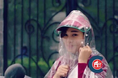 Áo mưa trong suốt có khẩu trang che mặt Chợ bán sản phẩm xe điện đẹp tốt cao cấp uy tín giá rẻ