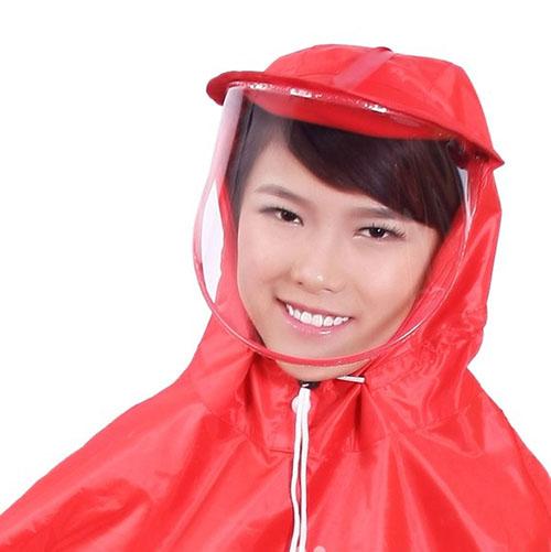 Áo mưa có kính che mặt